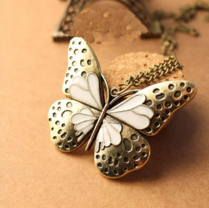 vintage-butterfly-necklace